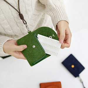 Toffeenut CARD HOLDER